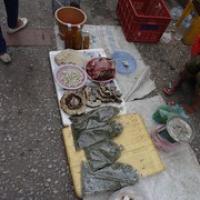 """oben gibt's Maden, in den Tüten sind Heuschrecken • <a style=""""font-size:0.8em;"""" href=""""http://www.flickr.com/photos/127204351@N02/19229002801/"""" target=""""_blank"""">View on Flickr</a>"""