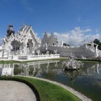 """die ganze Pracht...der Weiße Tempel • <a style=""""font-size:0.8em;"""" href=""""http://www.flickr.com/photos/127204351@N02/19134656439/"""" target=""""_blank"""">View on Flickr</a>"""