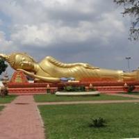 "großer goldener Buddha • <a style=""font-size:0.8em;"" href=""http://www.flickr.com/photos/127204351@N02/19181194111/"" target=""_blank"">View on Flickr</a>"