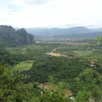 """Blick auf Vang Vieng • <a style=""""font-size:0.8em;"""" href=""""http://www.flickr.com/photos/127204351@N02/19228990121/"""" target=""""_blank"""">View on Flickr</a>"""