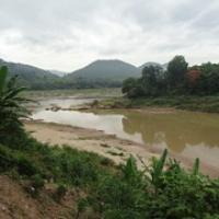 "Zufluß von Nam Khan in den Mekong • <a style=""font-size:0.8em;"" href=""http://www.flickr.com/photos/127204351@N02/19199188346/"" target=""_blank"">View on Flickr</a>"