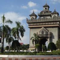 "Arc de Triomphe von Vientiane • <a style=""font-size:0.8em;"" href=""http://www.flickr.com/photos/127204351@N02/19171828712/"" target=""_blank"">View on Flickr</a>"