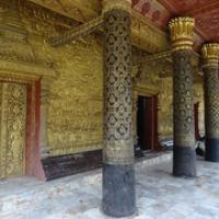 """Wat Mai mit typischem Schablonendruck • <a style=""""font-size:0.8em;"""" href=""""http://www.flickr.com/photos/127204351@N02/18602802874/"""" target=""""_blank"""">View on Flickr</a>"""