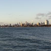 """Skyline von Melbourne gesehen von Kilda • <a style=""""font-size:0.8em;"""" href=""""http://www.flickr.com/photos/127204351@N02/16293799920/"""" target=""""_blank"""">View on Flickr</a>"""