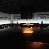 "Mausoleum, das tatsächlich bewacht wird • <a style=""font-size:0.8em;"" href=""http://www.flickr.com/photos/127204351@N02/15903330315/"" target=""_blank"">View on Flickr</a>"