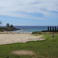 """selbst am Strand von Anakena stehen Moai • <a style=""""font-size:0.8em;"""" href=""""http://www.flickr.com/photos/127204351@N02/15717595527/"""" target=""""_blank"""">View on Flickr</a>"""