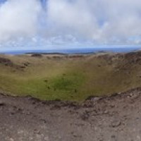"Blick in einen der vielen Krater am Mount Terevaka • <a style=""font-size:0.8em;"" href=""http://www.flickr.com/photos/127204351@N02/15283720713/"" target=""_blank"">View on Flickr</a>"