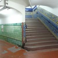 "eine schöne alte Ubahnstation • <a style=""font-size:0.8em;"" href=""http://www.flickr.com/photos/127204351@N02/15715848198/"" target=""_blank"">View on Flickr</a>"