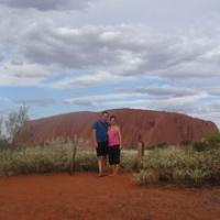 "wir am Uluru • <a style=""font-size:0.8em;"" href=""http://www.flickr.com/photos/127204351@N02/16734614403/"" target=""_blank"">View on Flickr</a>"