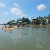 """mit dem Kayak vorbei an der ehemaligen französischen Laderampe • <a style=""""font-size:0.8em;"""" href=""""http://www.flickr.com/photos/127204351@N02/17627863513/"""" target=""""_blank"""">View on Flickr</a>"""