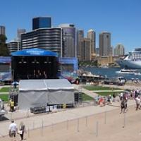 """schon mit Bühne für den Australian Day • <a style=""""font-size:0.8em;"""" href=""""http://www.flickr.com/photos/127204351@N02/16455179046/"""" target=""""_blank"""">View on Flickr</a>"""