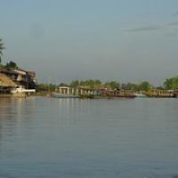 """Hafen von Nakasang auf dem Festland • <a style=""""font-size:0.8em;"""" href=""""http://www.flickr.com/photos/127204351@N02/17625828494/"""" target=""""_blank"""">View on Flickr</a>"""